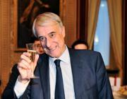 Il sindaco Giuliano Pisapia (Fotogramma)