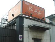 L'esterno della discoteca De Sade (Newpress)