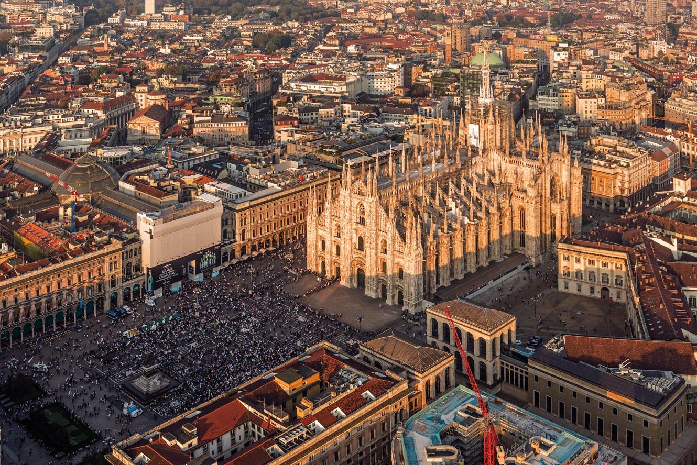 Piazza duomo for Milano re immobili di prestigio