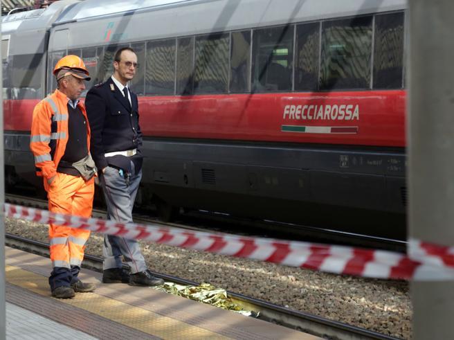 Milano, travolta e uccisa da un Frecciarossa: muore  ragazza di 19 anni Video