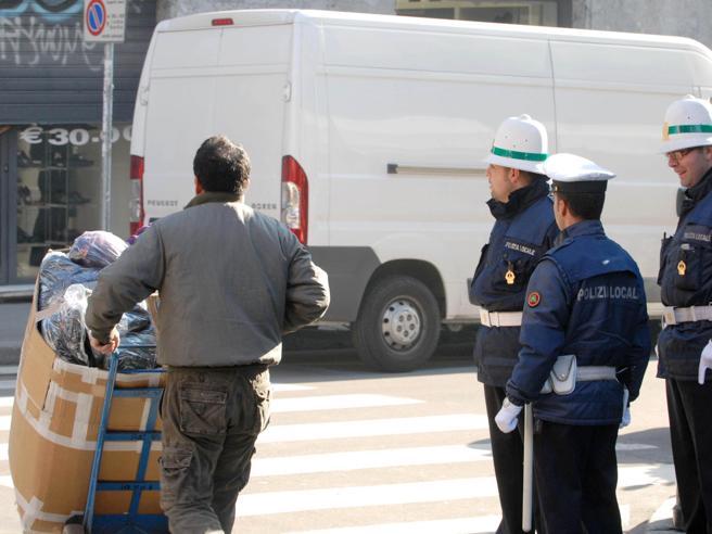 Nelle Chinatown di Milano e Roma agenti in arrivo da Pechino Video