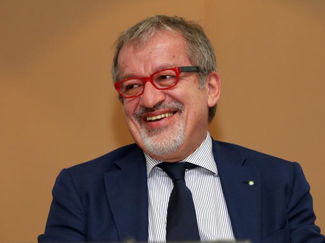 Olimpiadi,  Maroni    candida Milano con un  sondaggio Sala: impossibile