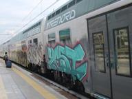Treni in ritardo, Trenord e Trenitalia multate: «Passeggeri abbandonati»
