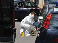 Uccise la ex moglie in strada con 3 colpi di pistola: condannato a 18 anni