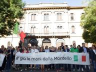 Profughi alla Montello, la protesta del quartiere e dei comitati