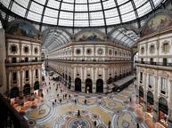 Dopo la rinuncia di Valentino in Galleria arriva Massimo Dutti