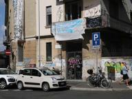 Militanti dell'ex Bottiglieria occupano un palazzo in via Lanzone