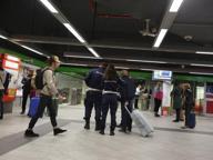 Zaino sospetto in Centrale, evacuata la stazione della linea verde