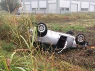 Litri di gasolio sulla strada, catena di incidenti: tre feriti