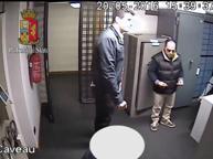 Traditi dal video e da un'impronta Arrestati tre cognati rapinatori