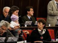 La neonata in Aula diventa un caso Sala: «Viola sarà sempre ben gradita