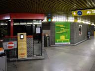 Allarme bomba, metropolitana ferma mezz'ora tra Sesto Marelli e Rondò