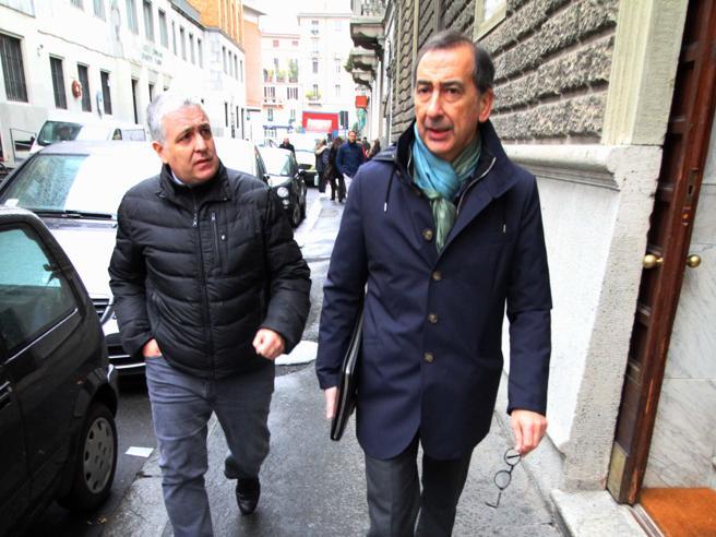 Milano, Sala: «Torno a fare il sindaco, certo di mia innocenza» Foto