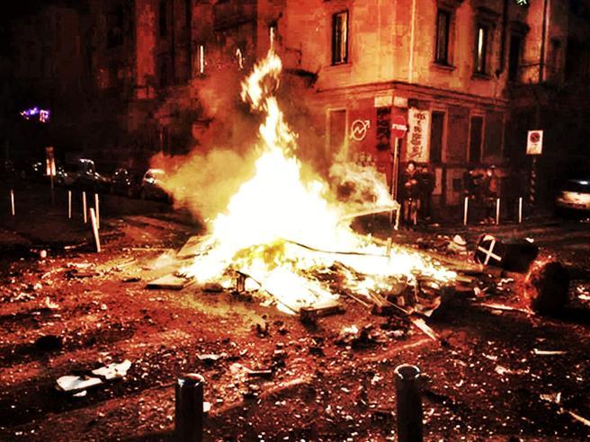 Milano, il nuovo capodanno da incubo in via Gola: «Ho provatoa protestare, mi hanno picchiato»