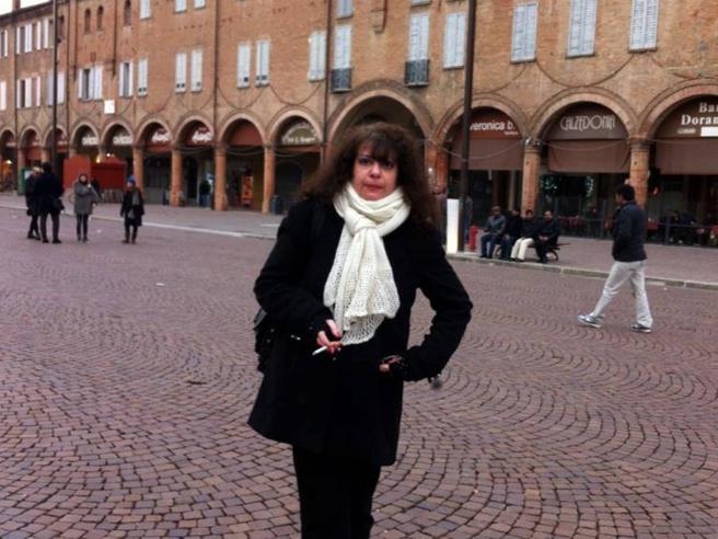 Delitto di Milano, l'assassino è fuggito con i cellulari di Tiziana|Le immagini