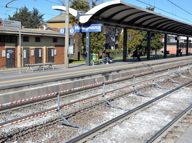 Troppi morti sui binari:  nel Milanese si prova la stazione «a ostacoli» Foto