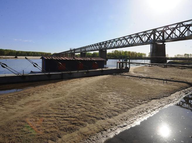 La (storica) secca del grande fiume, Po a tre metri sotto lo zero a Pavia