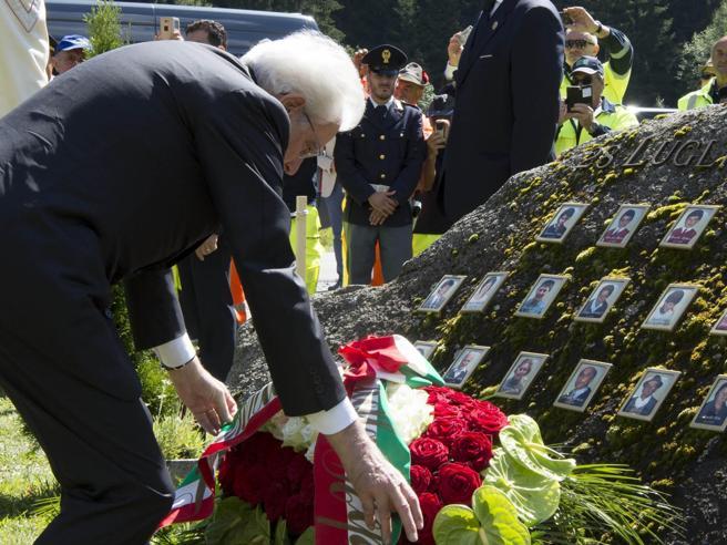 Mattarella in Valtellina: «Paese solidale non dimentica»Foto|Il disastro