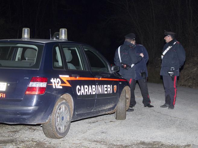 Anziana trovata morta in casa a Rho, sul corpo segni di coltellate