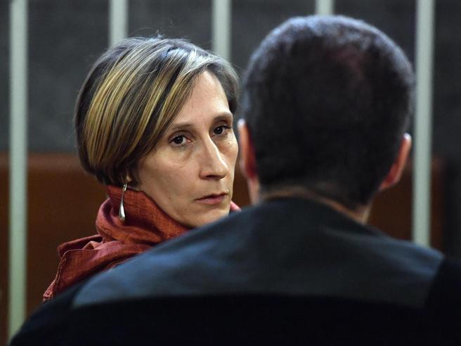 Milano, uccise il compagno con la katana ma non voleva: condanna a 12 anni Foto