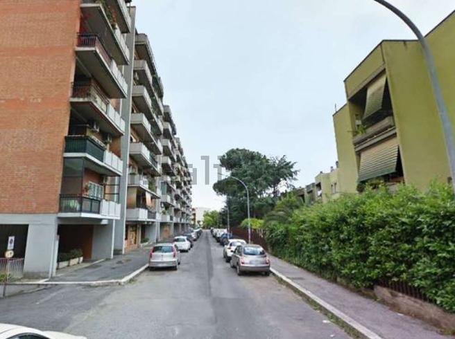 Lite in strada a Milano,  automobilista stacca orecchio  a morsi a un tassista   Foto