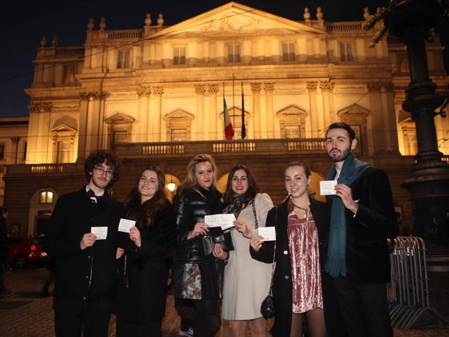 In scena la «primina» della Scala Selfie ed emozioni under 30 Foto