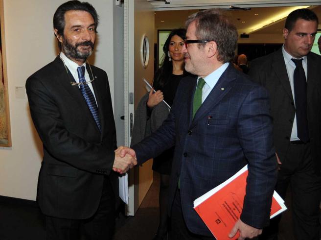 Maroni non si ricandida «per motivi personali» alle Regionali in Lombardia. E poi lancia Fontana come sostituto