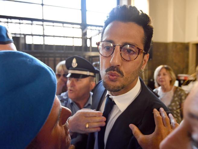 Corona, il pm: «Sequestrare la casa in centro a Milano, restituire 1,8 milioni»