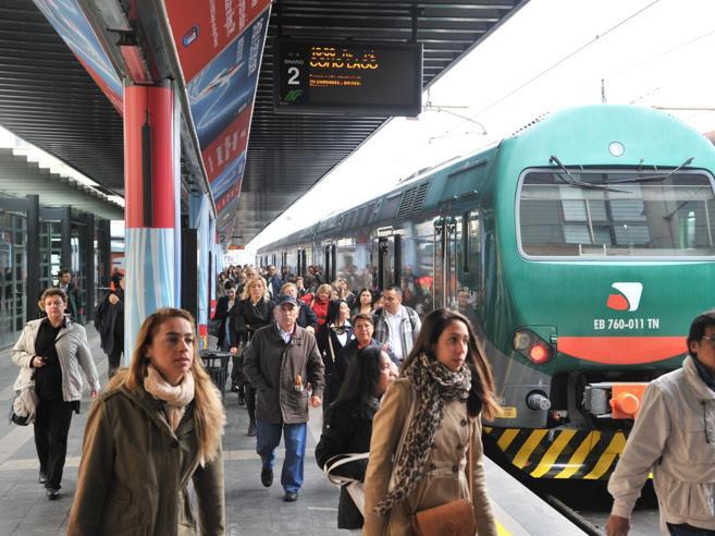 Pavia,Trenord, binario spezzato e due traversine rotte sulla tratta Voghera-Piacenza. Indagine della Polfer