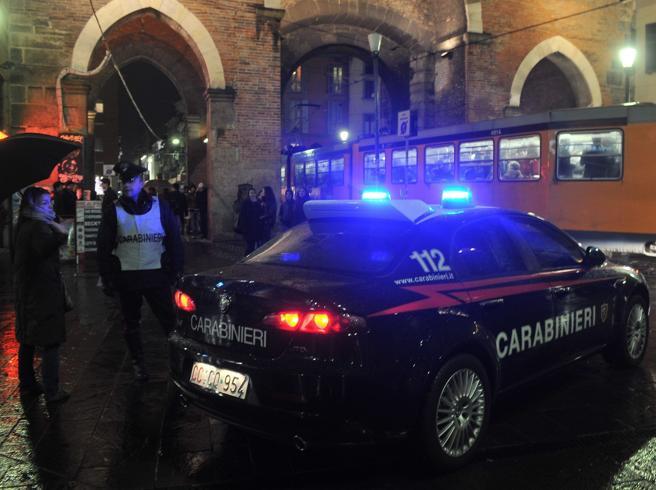 Milano, molesta 23enne in un locale, ma è una carabiniera: arrestato