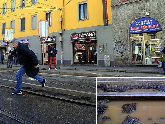 Anche Milano  litiga con le bucheE a Roma si organizzano cortei