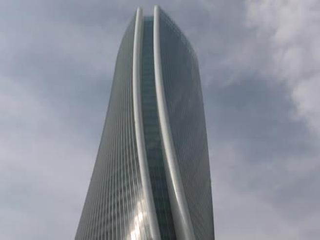 Torre Hadid di Milano, se non l'avete ancora  vista  ve la facciamo scoprire noi  Il video|Le immagini