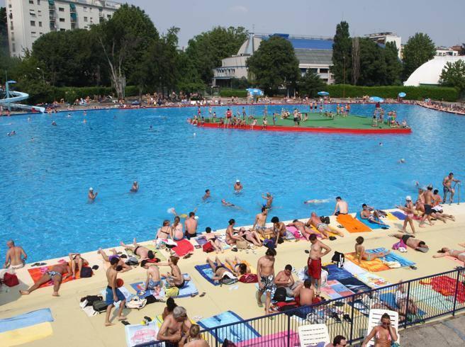 Due giugno tuffi e tintarellaaprono i centri balneari in - Piscina assago milano ...
