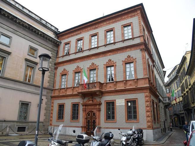 Casa manzoni riapre dopo il restaurobazoli la cultura for Corriere casa