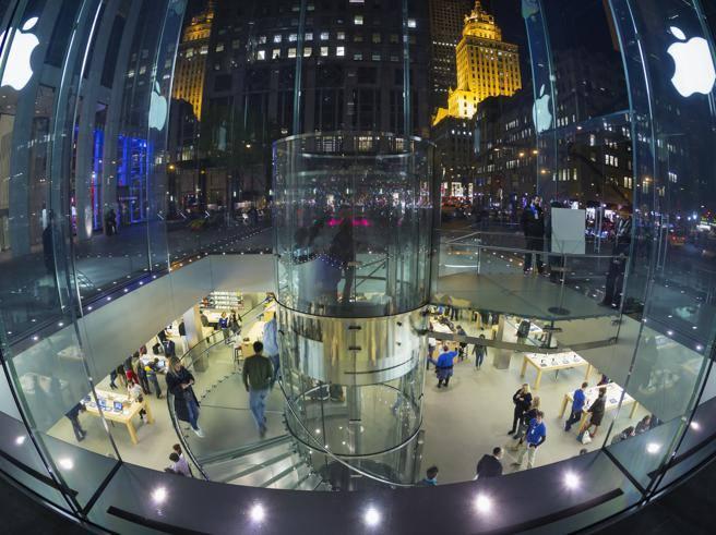 Apple Sfratta Il Cinema Apollo Megastore In Piazza Liberty