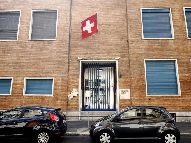 La scuola svizzera di milano cancella il regolamento anti for Regolamento igiene milano