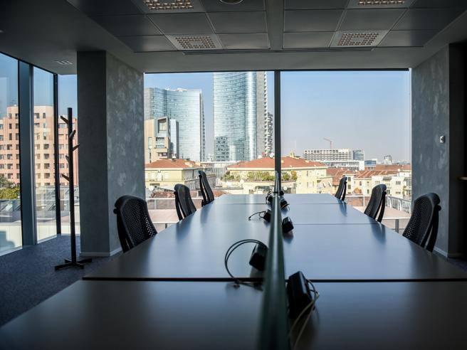 Nuova sede amazon milano ecco il quartier generale for Uffici attrezzati milano